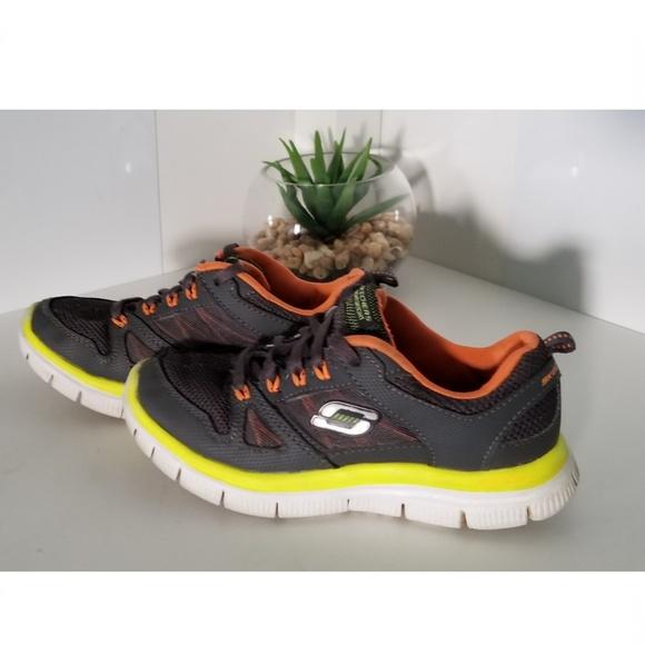 pretty nice e2295 bde21 Boy s Sketchers Sneakers. M 5b4277d8d6dc5200cf2b9109